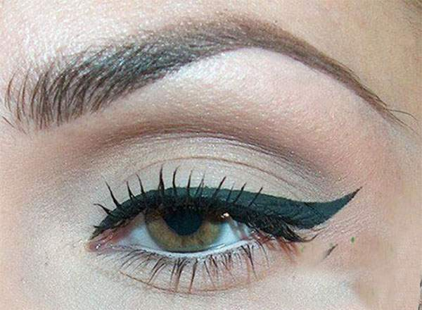 15-Perfect-Eye-liner-Styles-Trends-Ideas-For-Girls-2014-12