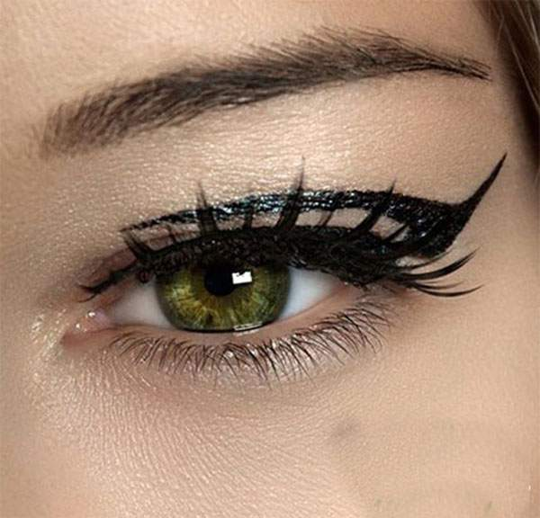15-Perfect-Eye-liner-Styles-Trends-Ideas-For-Girls-2014-14