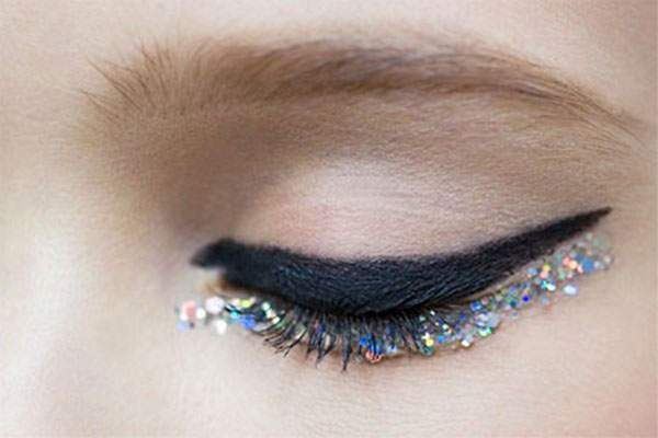 15-Perfect-Eye-liner-Styles-Trends-Ideas-For-Girls-2014-16